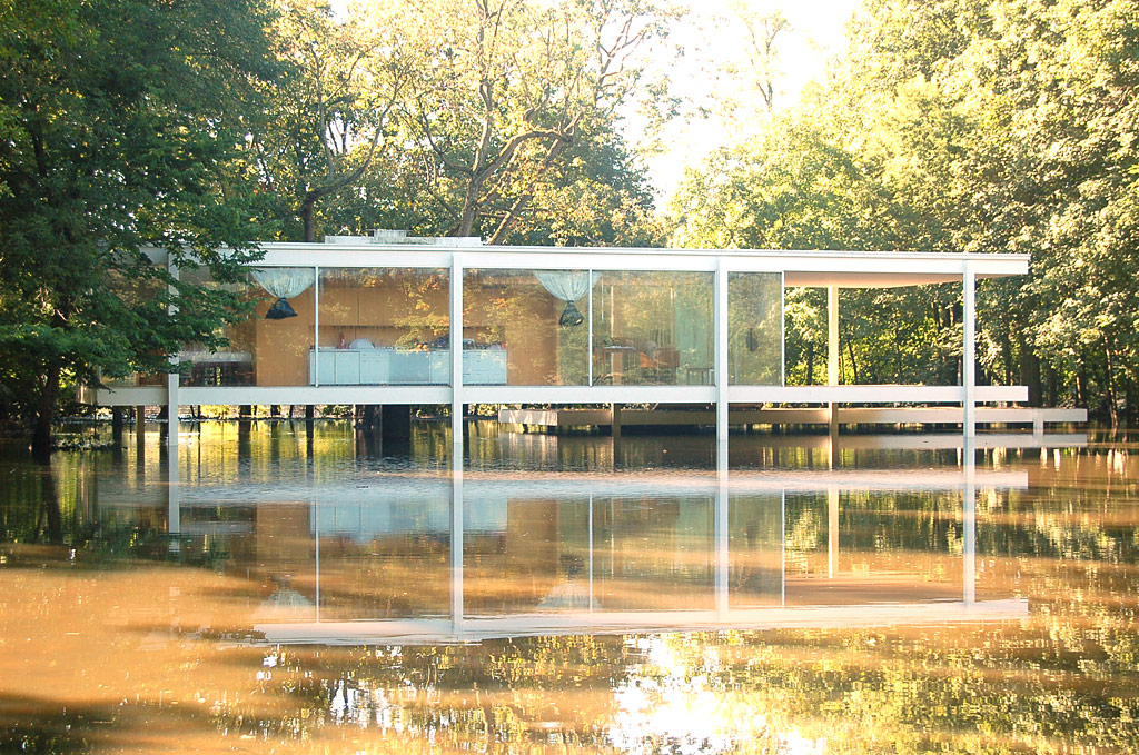 milkcrate digest mies van der rohe s farnsworth house saved by milkcrates. Black Bedroom Furniture Sets. Home Design Ideas